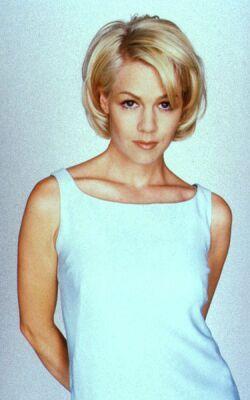 http://s1.imgdb.ru/2007-11/10/Jennie-Garth-17-_t4rrsm7f.jpg