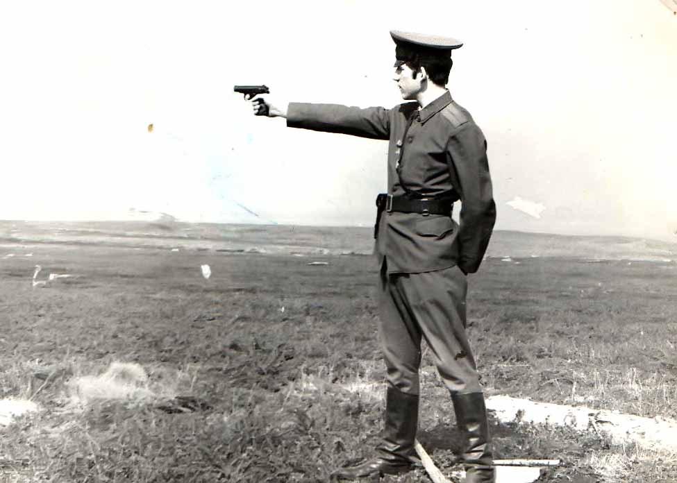 стрельба из табельного оружия (Савицкий Н.)